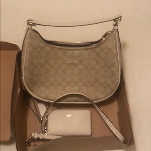 Coach woman's leather bag and wallet